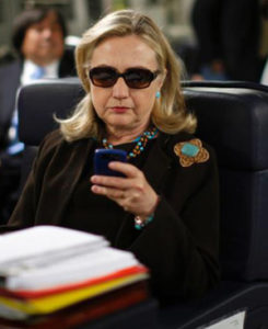 hillary clinton reading email