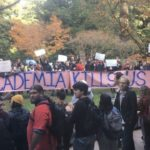 Striking UCSC grad workers and supporters (Credit: Twitter @bananaslums)
